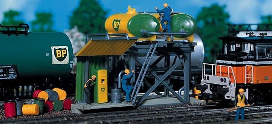 Modelleisenbahnzubehör Tankstelle